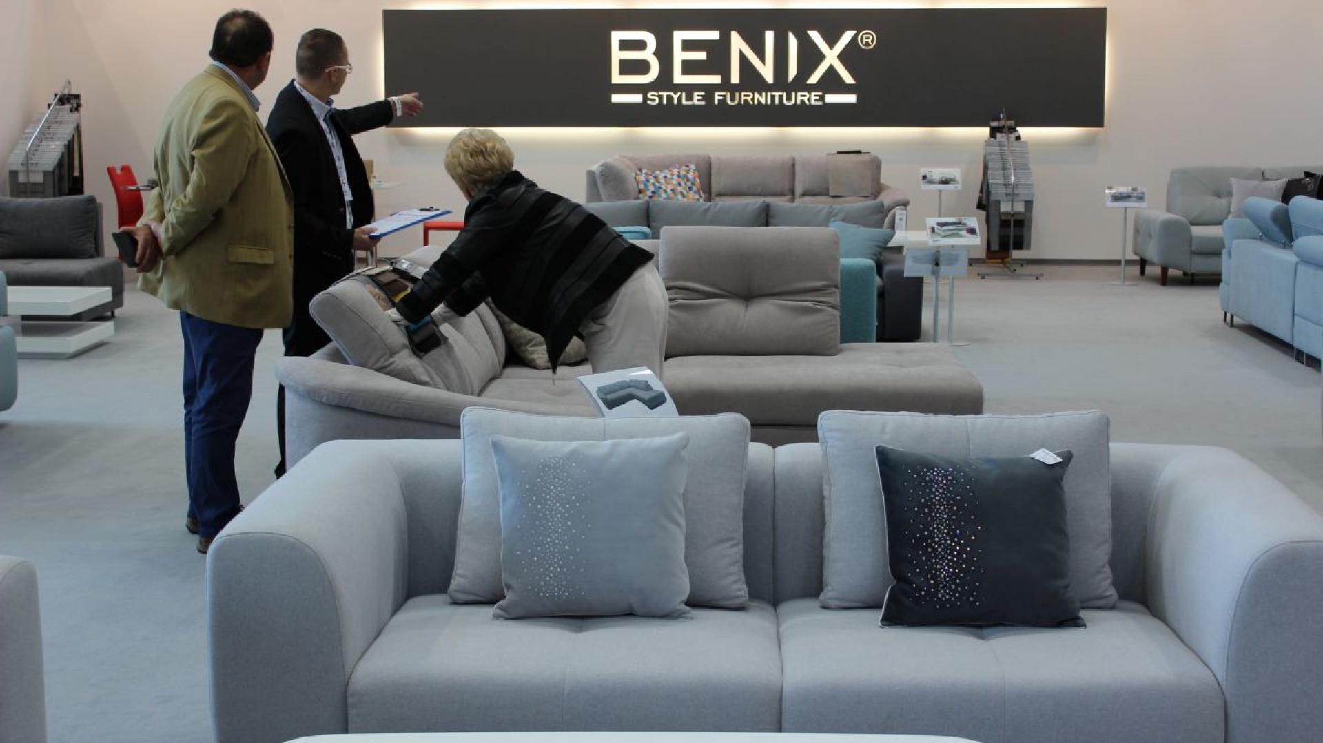 Stoisko firmy Benix, producenta mebli tapicerowanych. Fot. Mariusz Golak