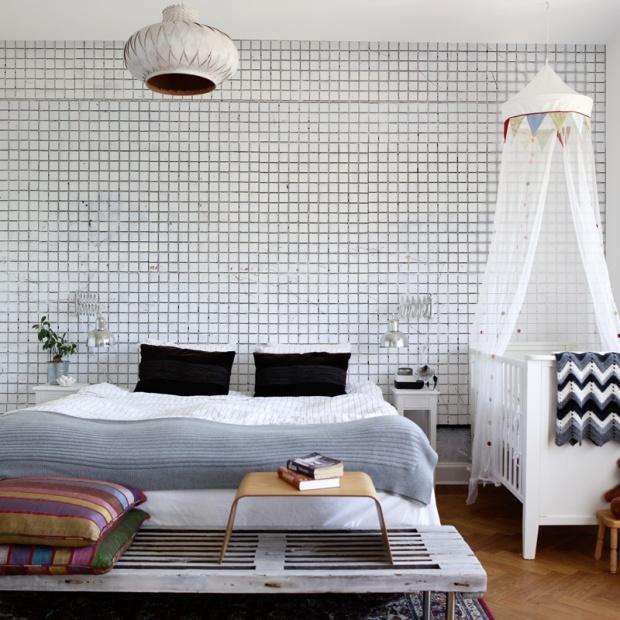Piękna sypialnia. Modne pomysły na ścianę za łóżkiem