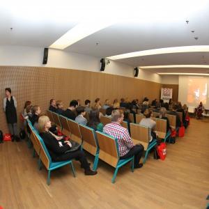 Panele o różnorodnej tematyce (oczywiście zawsze związanej z designem), których uczestnicy to eksperci w danej dziedzinie to najmocniejsza strona imprezy. Fot. Bartosz Jarosz.