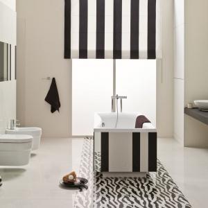 W modnej łazience ułożono jasne płytki z kolekcji Pop Art marki Ceramstic. Fot. Ceramstic.