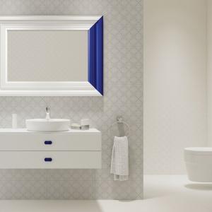 Dekoracyjne białe płytki z linii Soft Ornament marki Opoczno idealnie dekorują wnętrze. Fot. Opoczno.