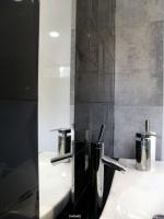 Wnętrze toalety męskiej