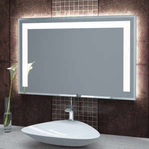 Lustro Solea firmy Szkło-Lux ma fazowane krawędzie, które zapewniają podświetlonemu lustru połysk i elegancki wygląd. Oświetlenie ledowe wykonane przy użyciu diod Power Led daje światło mocne i wyraziste, ale nie oślepiające. Fot. Szkło-Lux.