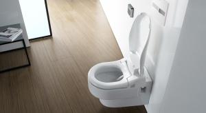 Toalety z funkcją bidetu to maksymalna higiena na co dzień. Wiele obsługuje się za pomocą pilota lub smartfona. Potrafią same się czyścić.