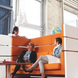 Kinnarps oferuje rzetelną i profesjonalną obsługę oraz komfort z pracy w inspirującym otoczeniu. Fot. Kinnarps.