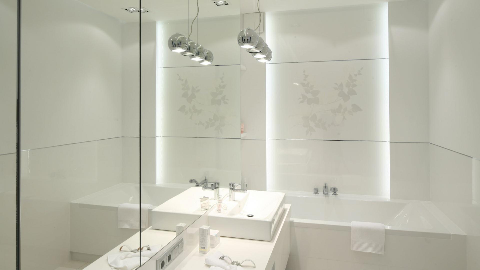 Lustra Do łazienki Modne Pomysły Architektów