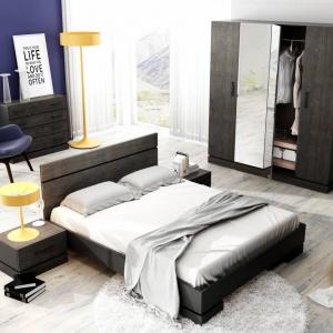 Kolekcja do sypialni Sherwood ma dekoracyjny kolor rustykalnego drewna. Ciemne wybarwienie nadaje meblom tajemniczości oraz charakteru. Fot. DigNet.