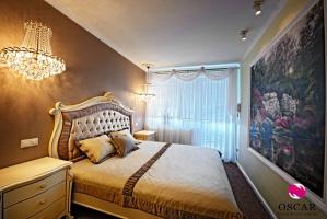 Pałacowa sypialnia w pełnej odsłonie