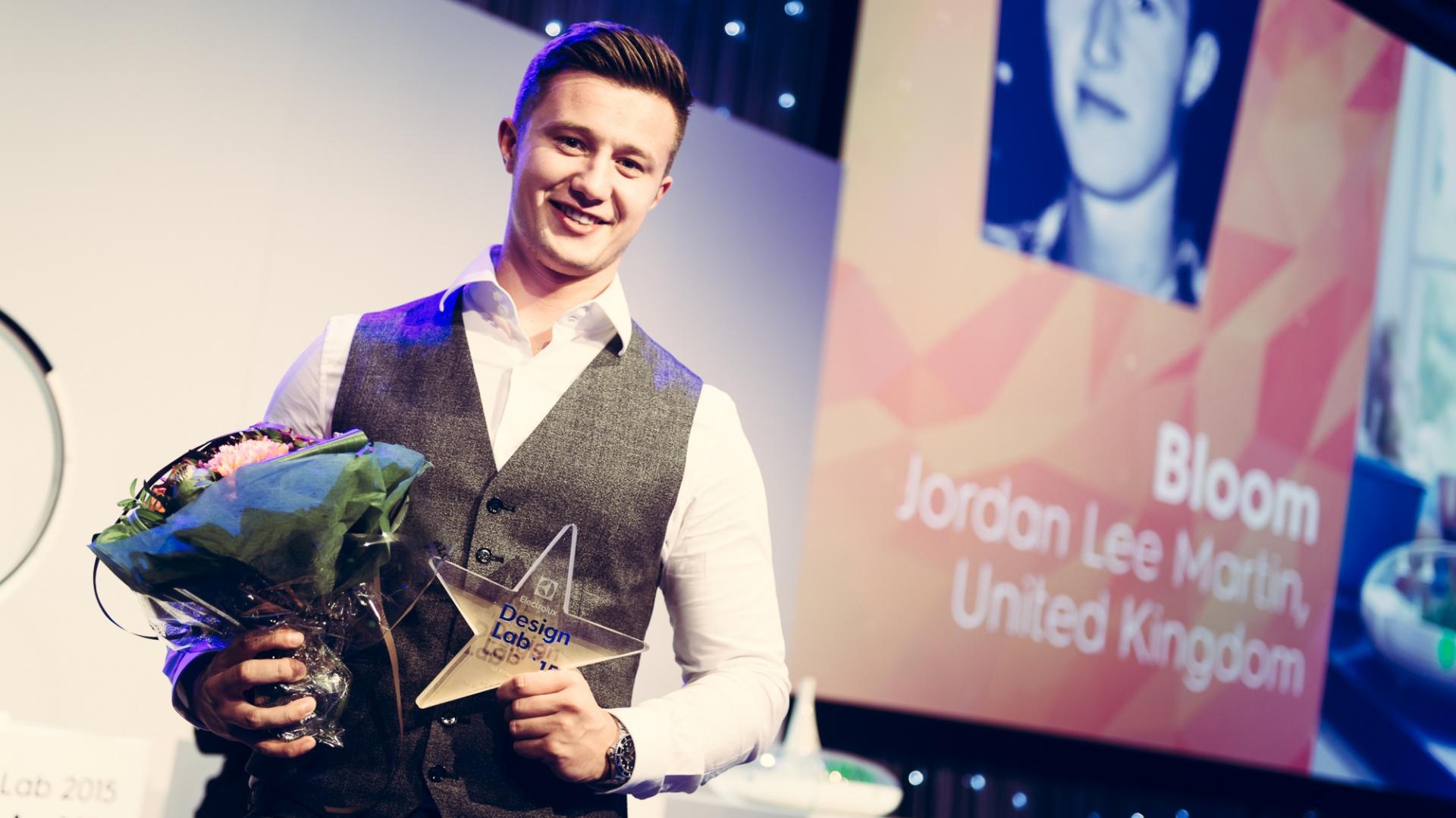 Jordan Lee Martin otrzymał z ramach zwycięstwa 10,000 euro oraz półroczny, płatny staż w globalnym centrum projektowania Electrolux. Fot. EDL
