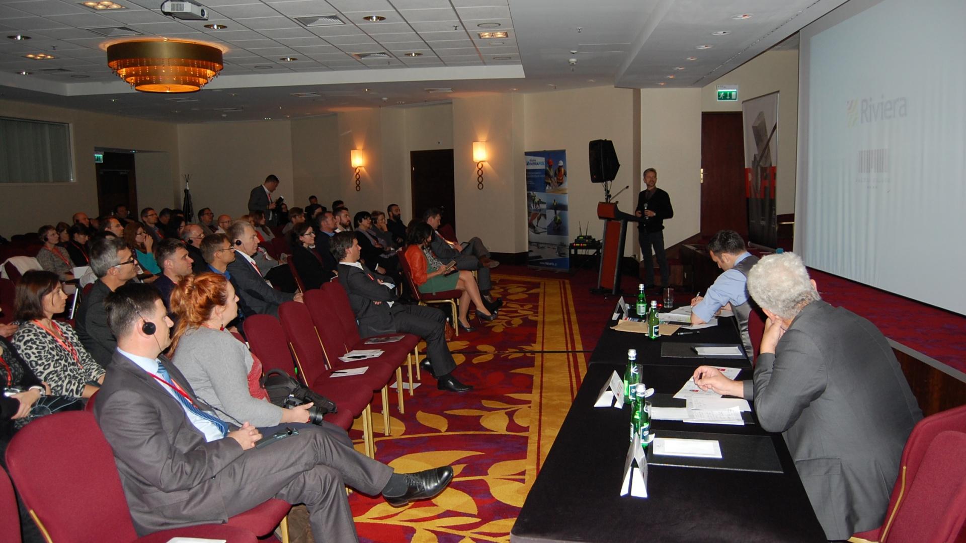 Swoją obecnością zaszczycili konferencję Mathias Bauer, właściciel MBA/S Matthias Bauer Associates czy Stephen Pey architekt reprezentujący firmę EPR Architects i inni. Fot. Piotr Sawczuk