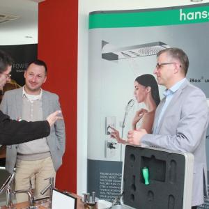 Stoisko firmy Hansgrohe – tutaj można było obejrzeć najnowsze baterie i próbki wykończeń, a także otrzymać katalogi i inne materiały potrzebne w pracy architektom i projektantom wnętrz.