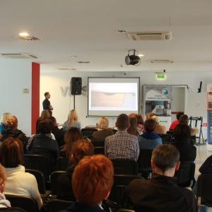 Prezentacja Marcina Milewskiego na temat wyposażenia do mebli z oferty firmy Peka. To m.in. carga, wysuwane półki, systemy do szafek narożnych.