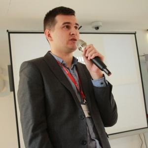 Jak promować się w mediach społecznościowych radził Arkadiusz Kaczanowski, redaktor prowadzący portalu RynekLazienek.pl.