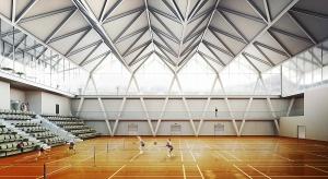Centrum Badmintona w Daegu w Korei Południowej, pracowni BXBstudio znalazło się wśród zwycięzców 21 cyklu konkursu 20+10+X World Architecture Community. Forma budynku w kreatywny sposób inspirowana jest tradycyjną architekturą koreańską oraz f