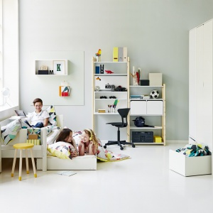System Flexa Shelfie. Meble są regulowane odpowiednio do wzrostu i łatwo można je dostosować do indywidualnych wymagań dziecka. Fot. Flexa.