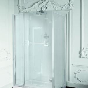 Z lśniącym jak lustro wzorem w stylu klasycznym - kabina prysznicowa Athena firmy Gentry Home. Fot. Gentry Home.