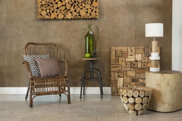 5 pomysłów na drewno w salonie