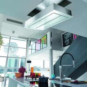 Okap Maris Up&Down wyposażony został w energooszczędne panele LED, które dodatkowo oświetlają strefę roboczą w kuchni. Maris Up&Down posiada również funkcję ciągłej wentylacji, dzięki której powietrze jest automatycznie oczyszczane. Fot. Franke.