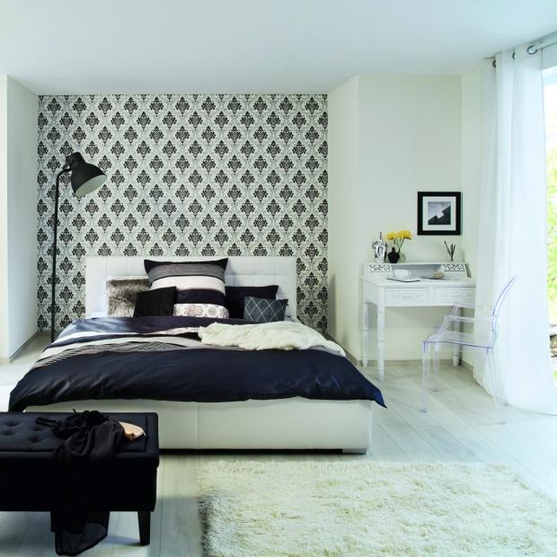 Ściana w sypialni. A może tapeta?