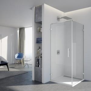 Można zamówić na wymiar, także z wycinkami i ukosami, a ściankę boczną skrócić - drzwi ze ścianką boczną PUR - PUR1+PURDT2 firmy SanSwiss. Fot. SanSwiss.
