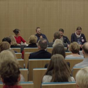 """Panel dyskusyjny zatytułowany """"Współcześni nomadzi"""" wzbudził duże zainteresowanie wśród gości III edycji Forum Dobrego Designu. Fot. Piotr Waniorek."""