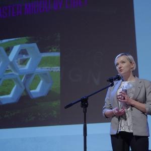Nagrodę w kategorii otoczenie domu odebrała Katarzyna Nosalik - dyrektor marketingu marki Libet. Fot. Piotr Waniorek.