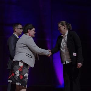 Wyróżnienie w kategorii przestrzeń łazienki - dyplom odebrała Kamila Lasota, przedstawicielka marki Ravak. Fot. Piotr Waniorek.
