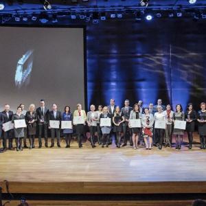 Wszyscy laureaci i wyróżnieni w konkursie Dobry Design 2016. Fot. Piotr Waniorek.