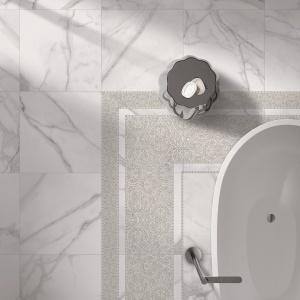 Jak szlachetny, biały marmur - płytki ceramiczne Supreme marki Flaviker. Fot. Flaviker.