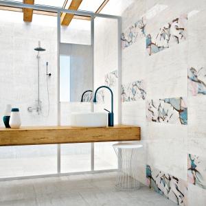 Jak biały, postarzany beton - płytki ceramiczne Nantes firmy Peronda. Fot. Peronda.