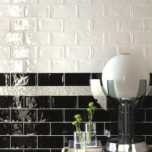 Jak białe, lśniące cegły - płytki ceramiczne Bianco firmy Tonalite. Fot. Tonalite.
