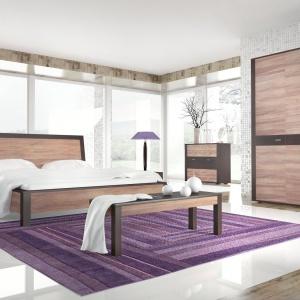 Kolekcja Amatio wykonana z litego drewna. Wstawki w kolorze wenge podkreślają ciepły rysunek orzecha. Fot. Bogatti.