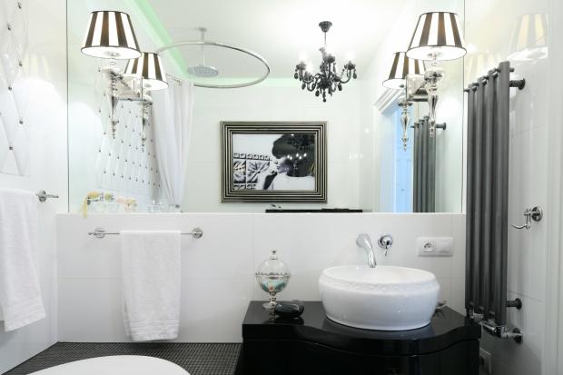 Jasne łazienki – 15 pomysłów do małych wnętrz