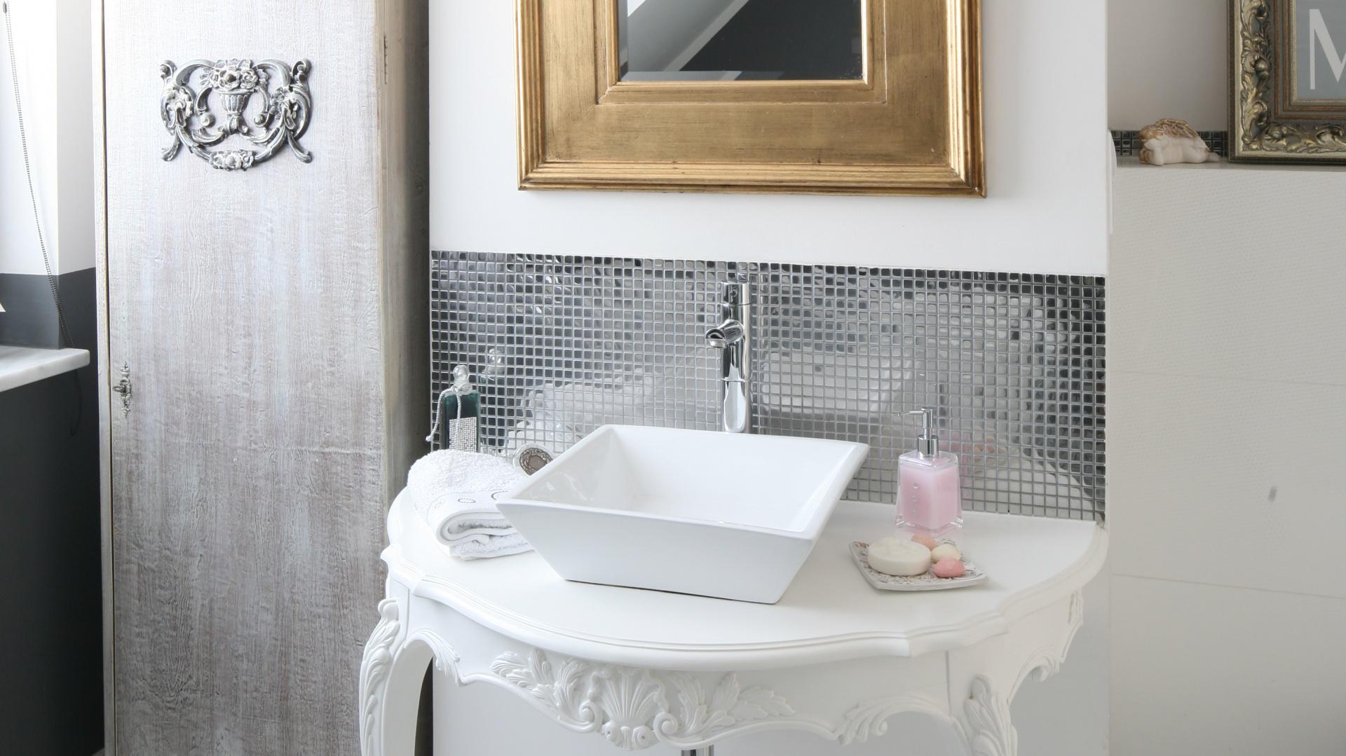 łazienka Na Piętrze Gotowy Projekt W Bieli