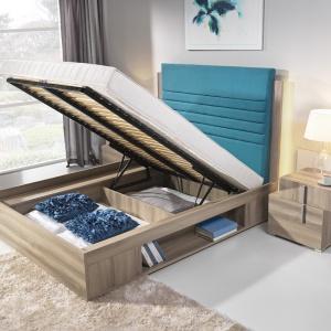 Łóżko Funky ma podnoszony do góry stelaż. Pojemność do przechowywania to aż cała powierzchnia spania. Można w pojemniku schować nie tylko pościel, ale i grube koce. Fot. Meble Wajnert.