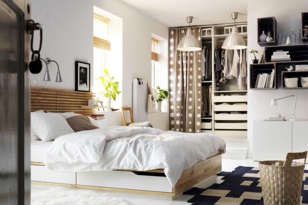 Łóżko w sypialni. 10 modeli z praktycznymi schowkami