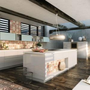 Niemiecka marka proponuje wykorzystanie patchworkowych wzorów nie tylko na ścianach i podłogach w kuchni, ale także na frontach mebli kuchennych. Fot. Alno, meble z programu Alnostar, model Sign.