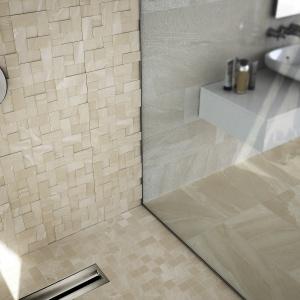 Wykończenie ściany przypominające cięty marmur - płytki ceramiczne Materia firmy Apavisa. Fot. Apavisa.