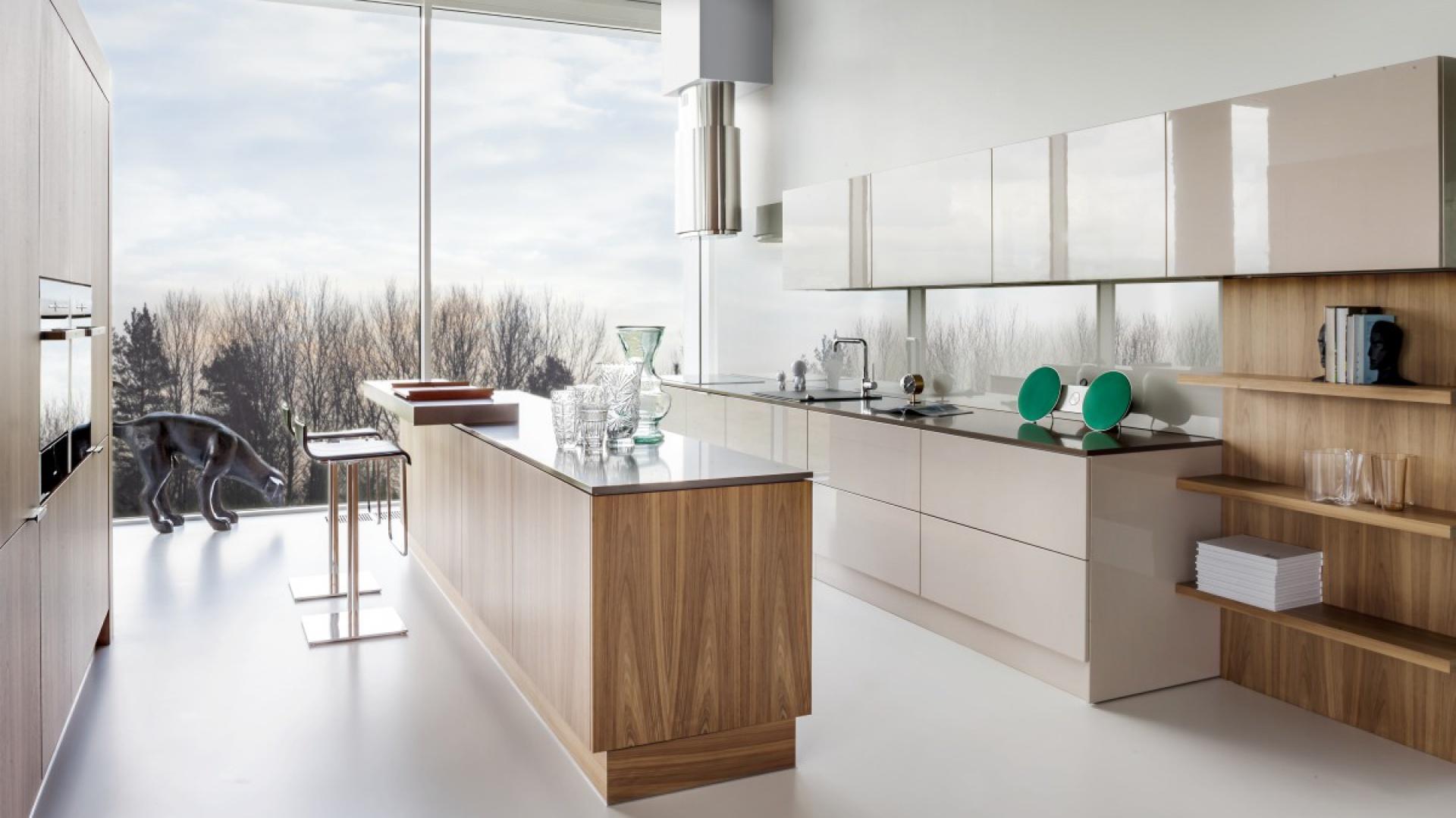 Model Kuchni Z2. Kuchnia skandynawska, w modnym połączeniu bieli i drewna. Fot. Zajc Kuchnie