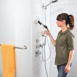 Przy pomocy parownicy łatwo posprzątać łazienkę i zlikwidować 99,9% baterii – model SC 1 firmy Kärcher. Fot. Kärcher.