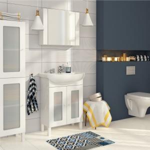 Proste, klasyczne kształty i biel - meble łazienkowe Arteco marki Cersanit. Fot. Cersanit.