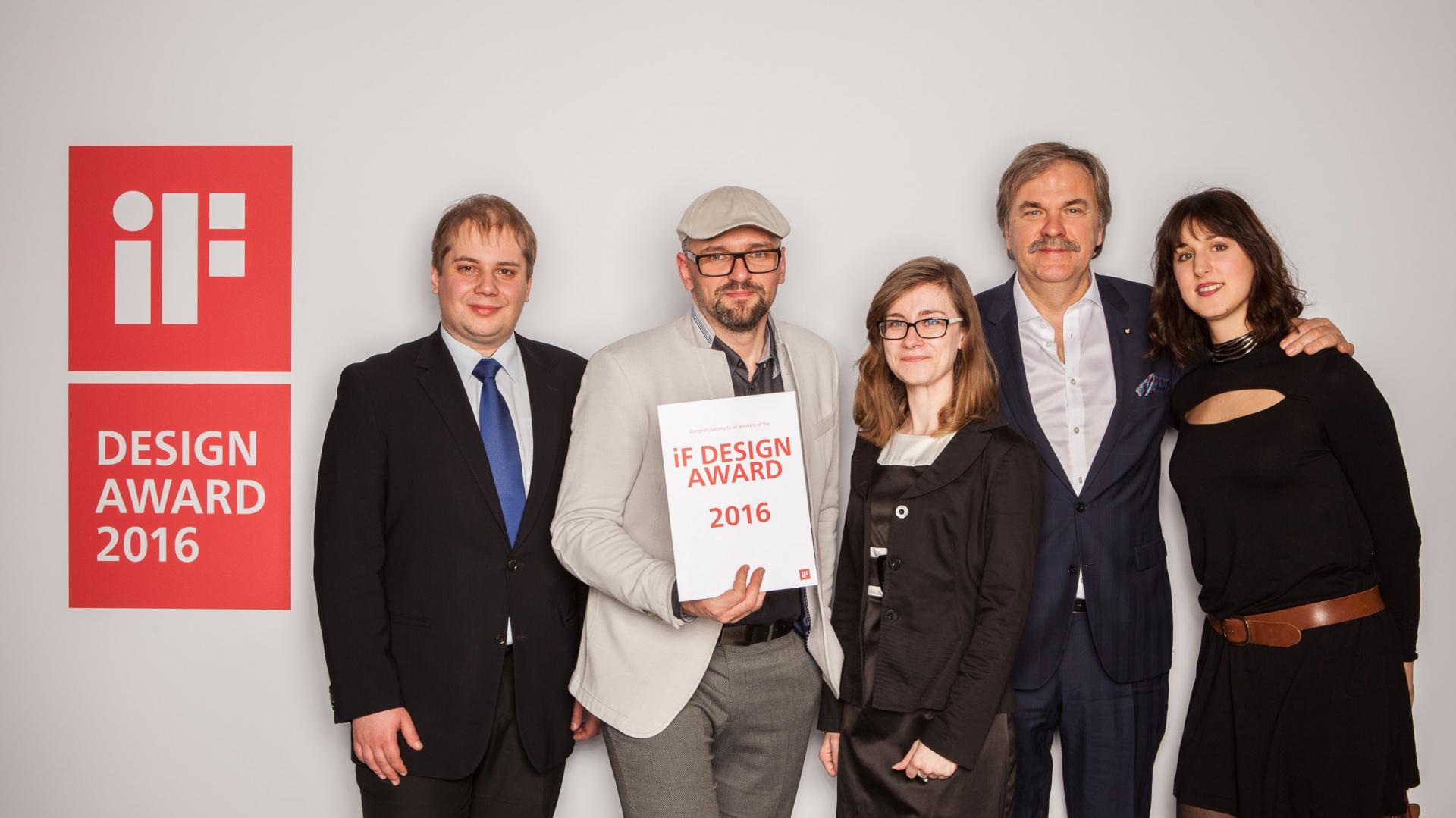 Firma Aquaform odebrała nagrodę w kategorii wzornictwa przemysłowego za innowacyjną lampę OLEDRIAN. Fot. Materiały prasowe