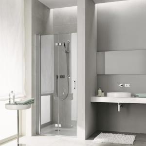 Płaski brodzik w zestawieniu z drzwiami prysznicowymi Diga firmy Kermi. Fot. Kermi.