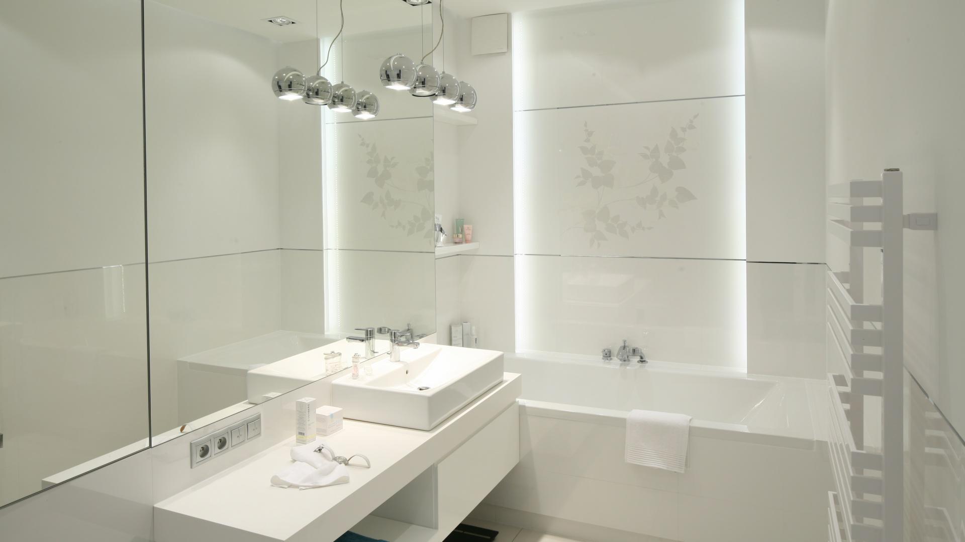 Jasna łazienka Jak Wybrać świetlenie Led