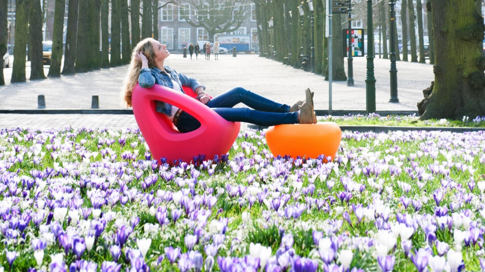 Kolorowe meble marki Lonc. Fot. Dutchhouse.pl