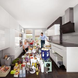 Kuchnia to miejsce przechowywania licznych akcesoriów i produktów spożywczych. Warto rozważnie podejść do zagospodarowania każdego zakamarka. Fot. Nobilia.