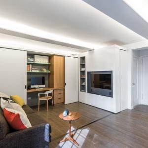Nowojorska pracownia MKCA to specjaliści od małych wnętrz. Zaledwie 36-metrowe mieszkanie przemienili w nowoczesną, funkcjonalną przestrzeń. Projekt: Michael Chen, Braden Caldwell/MKCA Michael K Chen Architecture. Fot. Alan Tansey.