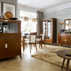Kolekcja mebli do salonu i jadalni Vintage z oferty marki Bydgoskie Meble. Fot. Bydgoskie Meble.