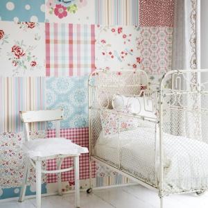 Room Seven to stylowa kolekcja tapet marki Coordonne. Romantyczne wzory, słodkie kolory i urocze motywy to strzał w dziesiątkę do pokoju małej damy. Fot. Coordonne.