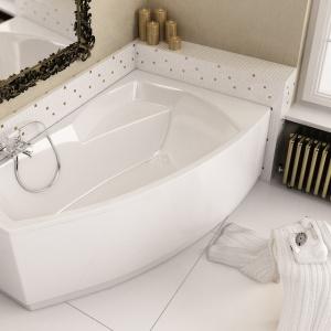 Z przestronną półką, która może służyć także jako siedzisko – wanna akrylowa Senso Aquaform. Fot. Aquaform.